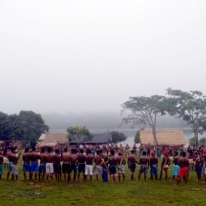 Documentário retrata luta de índios contra hidrelétrica na Amazônia; assista