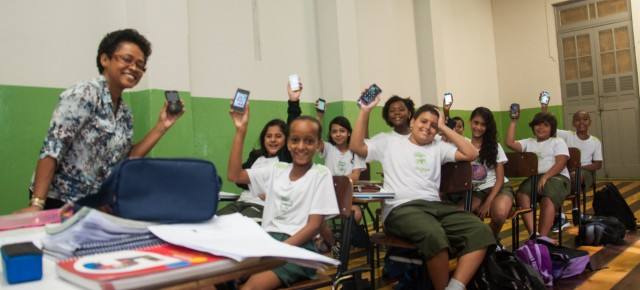 73% dos professores propõem atividades com uso da internet no país